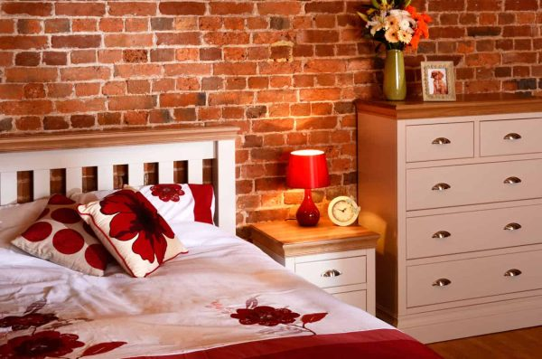 bedroom-crop-2.jpg