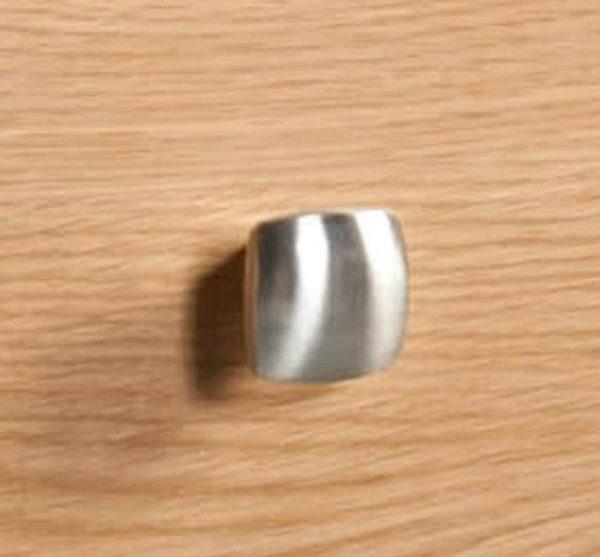 knob-size700_3_3.jpg