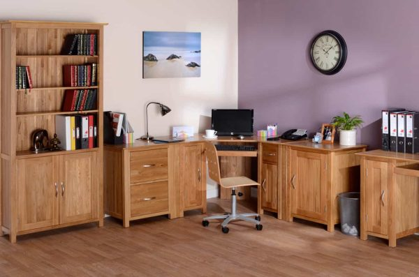 Devonshire New Oak Bookcase with 4 Shelves & Cupboard   Fully Assembled
