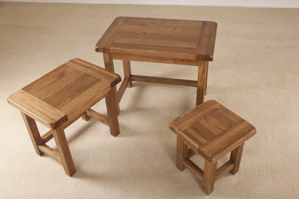 Country Rustic Oak Small Nest of 3 Tables   Fully Assembled